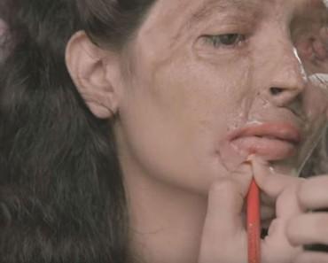 Parece un tutorial de maquillaje normal, pero hay un GIRO INESPERADO que todo el mundo NECESITA ver