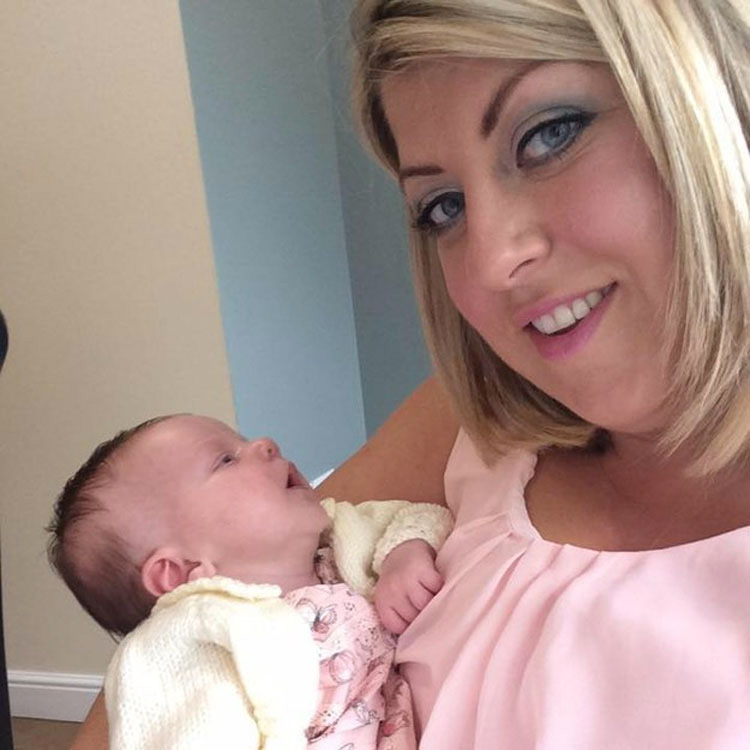 La foto de este mamá muestra por qué debe ser cuidadoso de quién besa a su bebé
