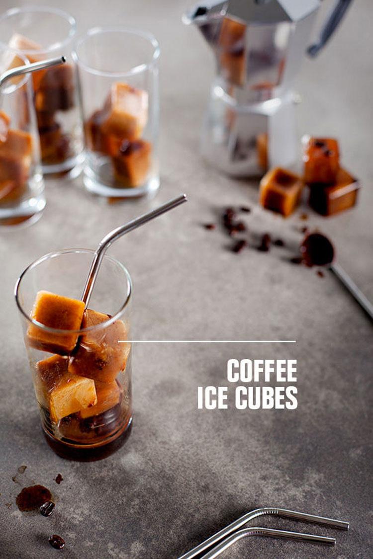 Si pones estas cosas en una bandeja de cubitos de hielo, puedes hacer algo INCREÍBLE
