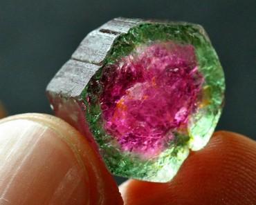 Estas son las gemas MÁS BELLAS de la tierra. La #21 parece demasiado extraordinaria para ser real 1