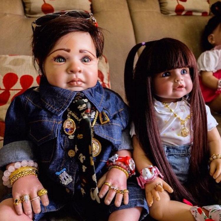 Dicen que estas muñecas traen buena suerte, pero lo que se pone en su INTERIOR es MUY INQUIETANTE