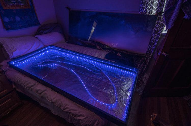 Hizo 10.000 agujeros en una foto para hacer algo que QUERRÁS en tu hogar