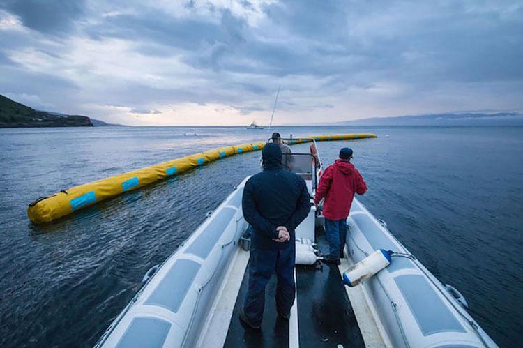 Este inventor de 20 años ha diseñado el PRIMER sistema para limpiar los océanos