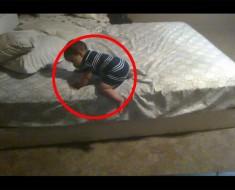 Este bebé estaba atrapado en una cama demasiado alta, hasta que hace una jugada BRILLANTE