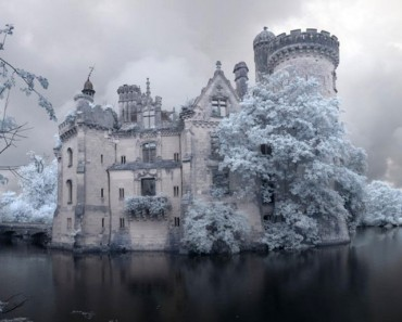 Este castillo olvidado fue abandonado tras un incendio en 1932. Verlo de cerca es IMPRESIONANTE