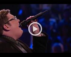Entra al escenario y empieza a cantar una canción de Adele. Los jueces NO PUEDEN CREER lo que oyen