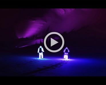 Estos dos chicos fueron a esquiar de noche con trajes LED. Lo que se filmó es ÉPICO