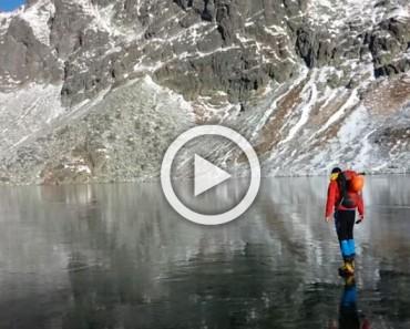 Están caminando sobre un lago congelado, hasta que apuntan con la cámara hacia abajo... ¡Es IRREAL!