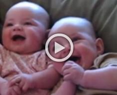 No podrás parar de reír cuando veas lo que estos bebés están haciendo