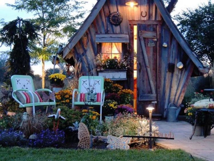 Una extraña casa es depositada en la esquina de su propiedad, ¿Pero y su interior? Increíble