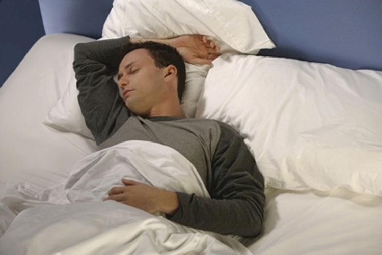 Cómo duermes cada noche revela mucho acerca de ti mismo. Esto te sorprenderá