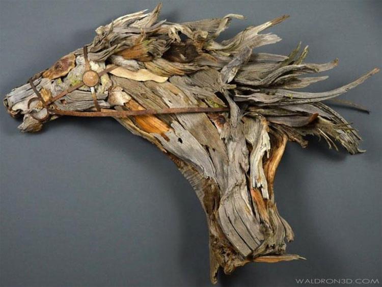 Encontró esta madera en la playa, después construyó la cosa más épica con ella