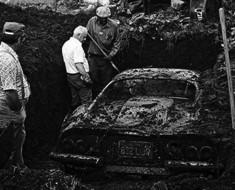 Dos niños estaban excavando en su patio cuando descubren ESTO. Y sólo es una parte de la historia