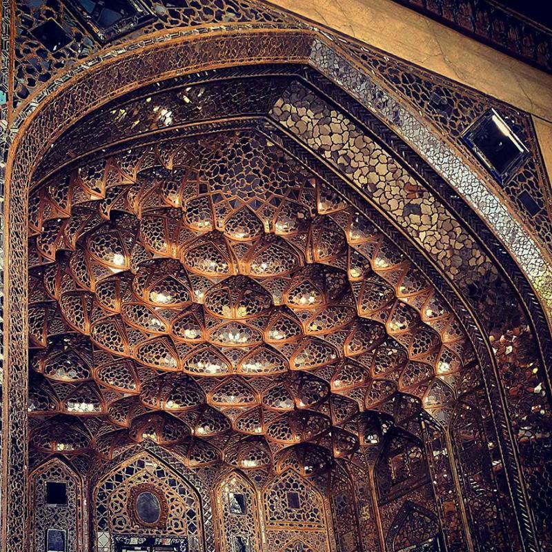 Todo el mundo se sorprende por lo que hay en el techo de esta mezquita. Después de ver estas fotos sabrás por qué