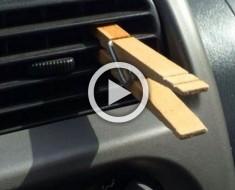 Siempre pone un pinza en el aire acondicionado de su vehículo. La razón es muy inteligente