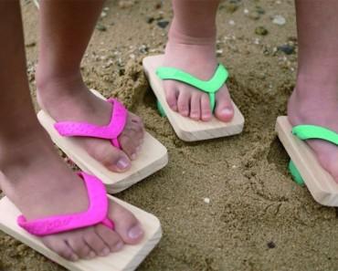 Parecen unas sandalias normales, pero mira cuando ella levanta su pie
