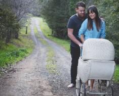 Esta pareja estaba cansada de preguntas acerca de bebés, por lo que organizó una ingeniosa sesión de fotos