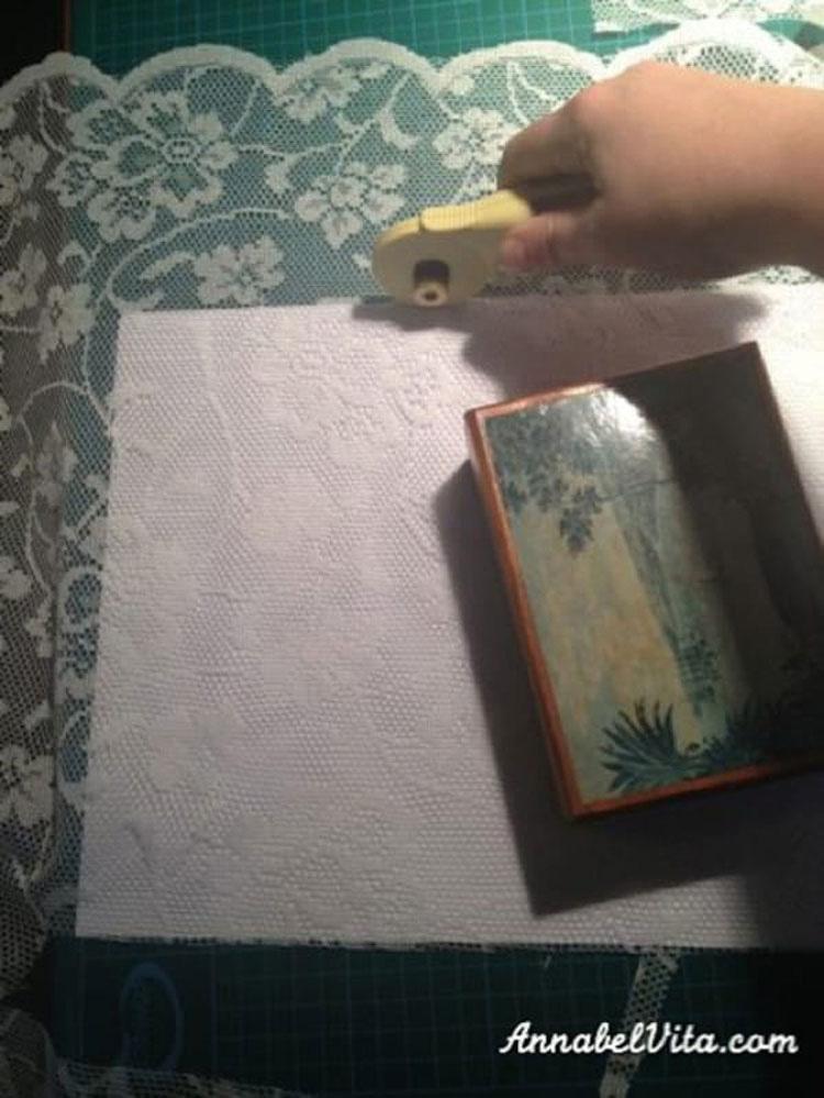 Pinta con maicena las ventanas de su dormitorio, ¿y el resultado final? ¡Maravilloso!