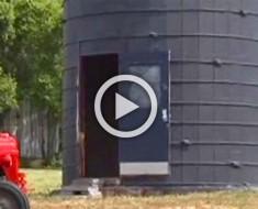 Este abuelo inicia un proyecto en un viejo silo. 2 años más tarde llama a su familia para que vean su interior