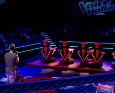 Abre su boca para cantar y sólo tres segundos más tarde, mira cómo reaccionan los cinco jueces