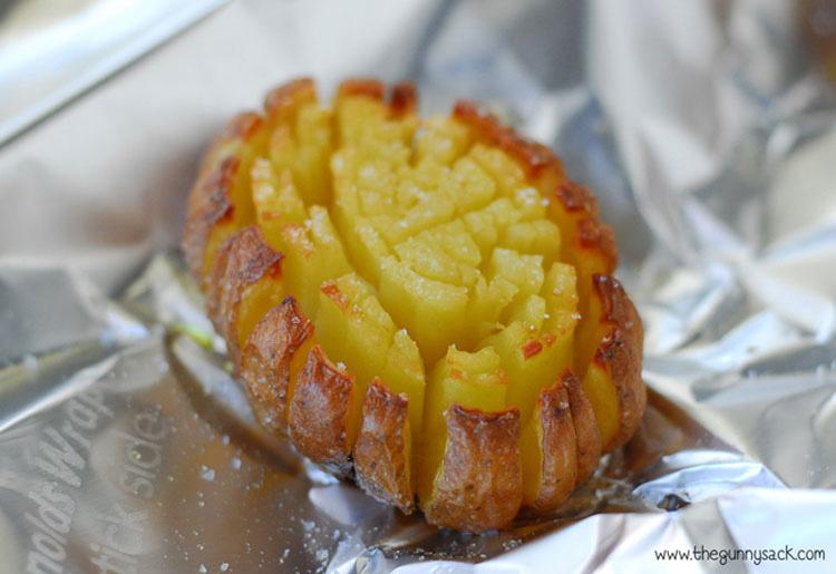 De la forma más sencilla corta las patatas de una forma sorprendente que lo cambia todo