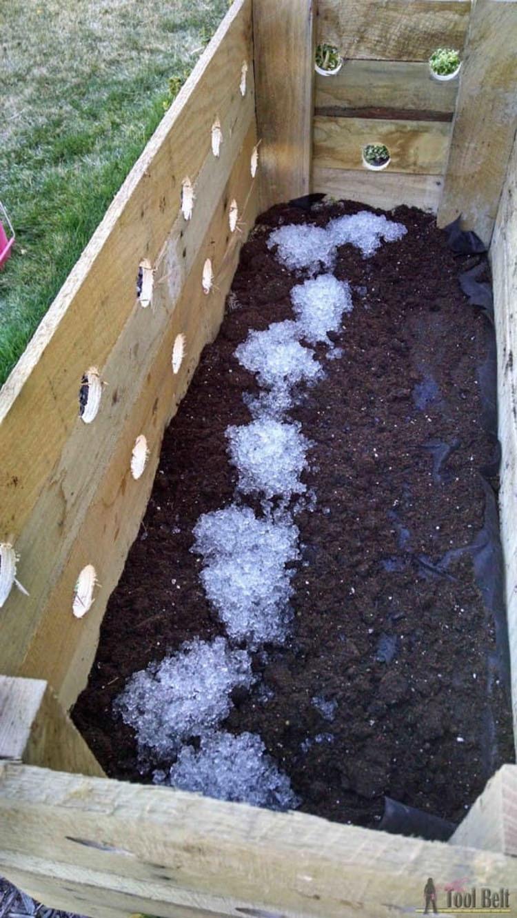 Hace 19 agujeros en una jardinera de madera. ¿5 meses más tarde? ¡Increíble!