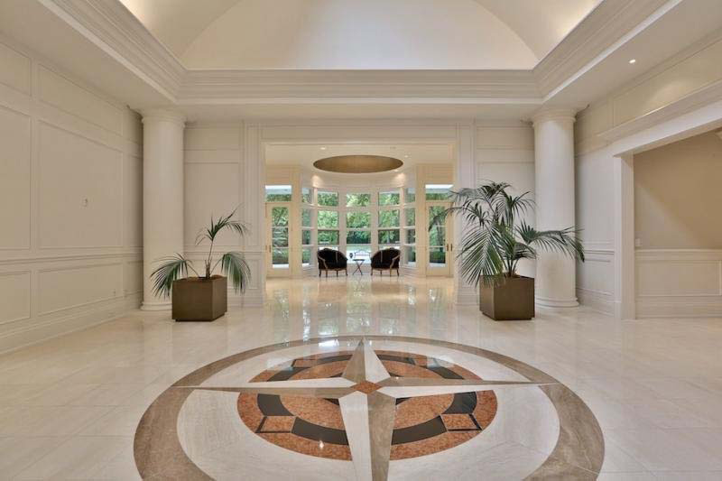 La casa de Prince está a la venta por casi 13 millones de dólares. Tiene que ver su armario