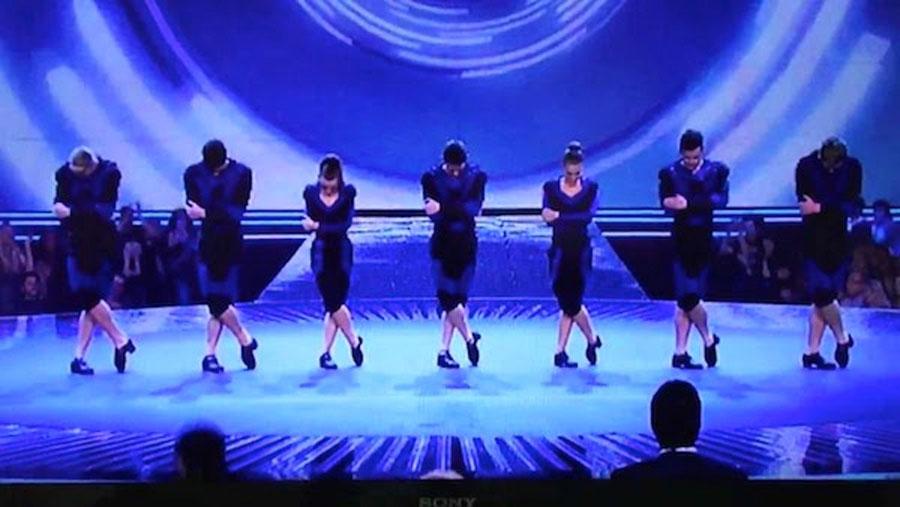 Se presentan a un concurso de baile con una versión moderna de un baile clásico. Y sucedió esto