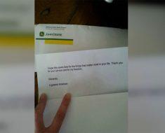 Su marido camina con lágrimas en los ojos. A continuación, lee la nota que tiene...