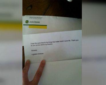 Su marido camina con lágrimas en los ojos. A continuación, lee la nota que tiene... 1