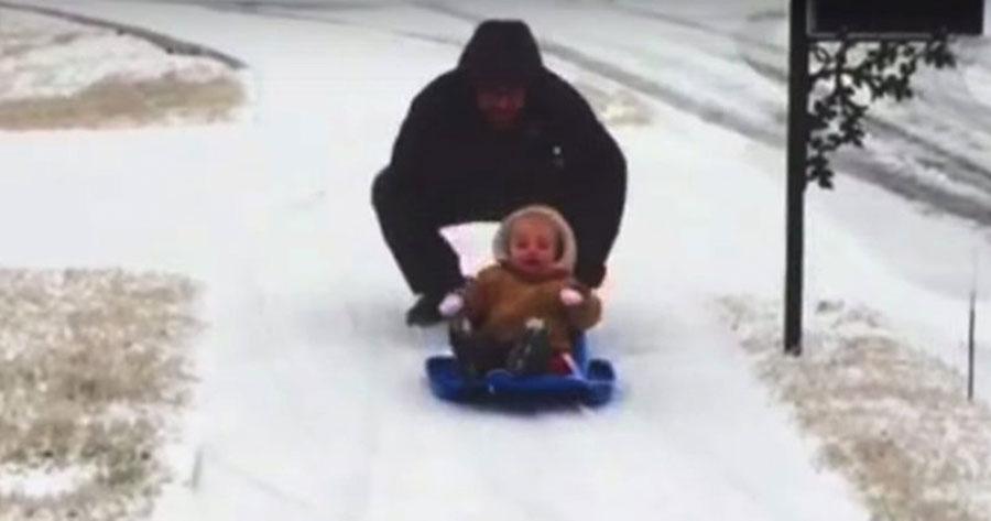 """""""Ve despacio"""", el vídeo dedicado a las madres (y padres) que está emocionando a todo el mundo"""