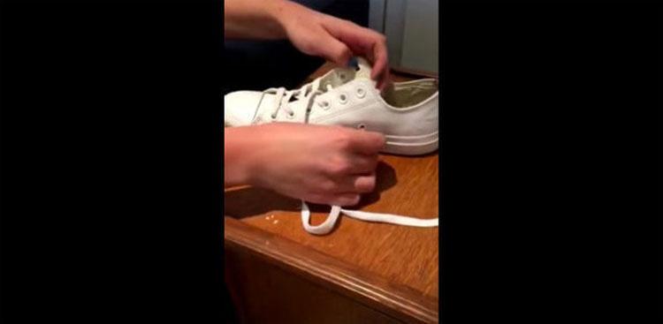 Lo más probable es que tengas unas Converse, pero ¿sabes cómo utilizar estos 2 agujeros?