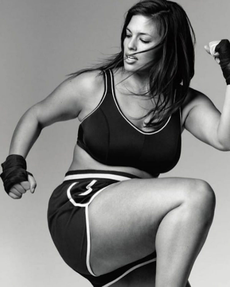 Esta modelo publica esta foto y cuando sus fans ven sus piernas se hace VIRAL