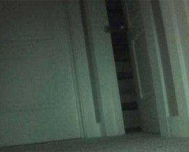 Su hija decía que los juguetes desaparecían por la noche. Pusieron una cámara oculta y capturó ESTO 2