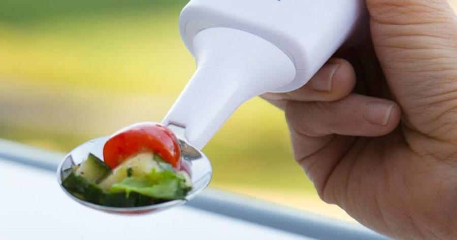 Con una simple cuchara, esta compañía está cambiando miles de vidas...