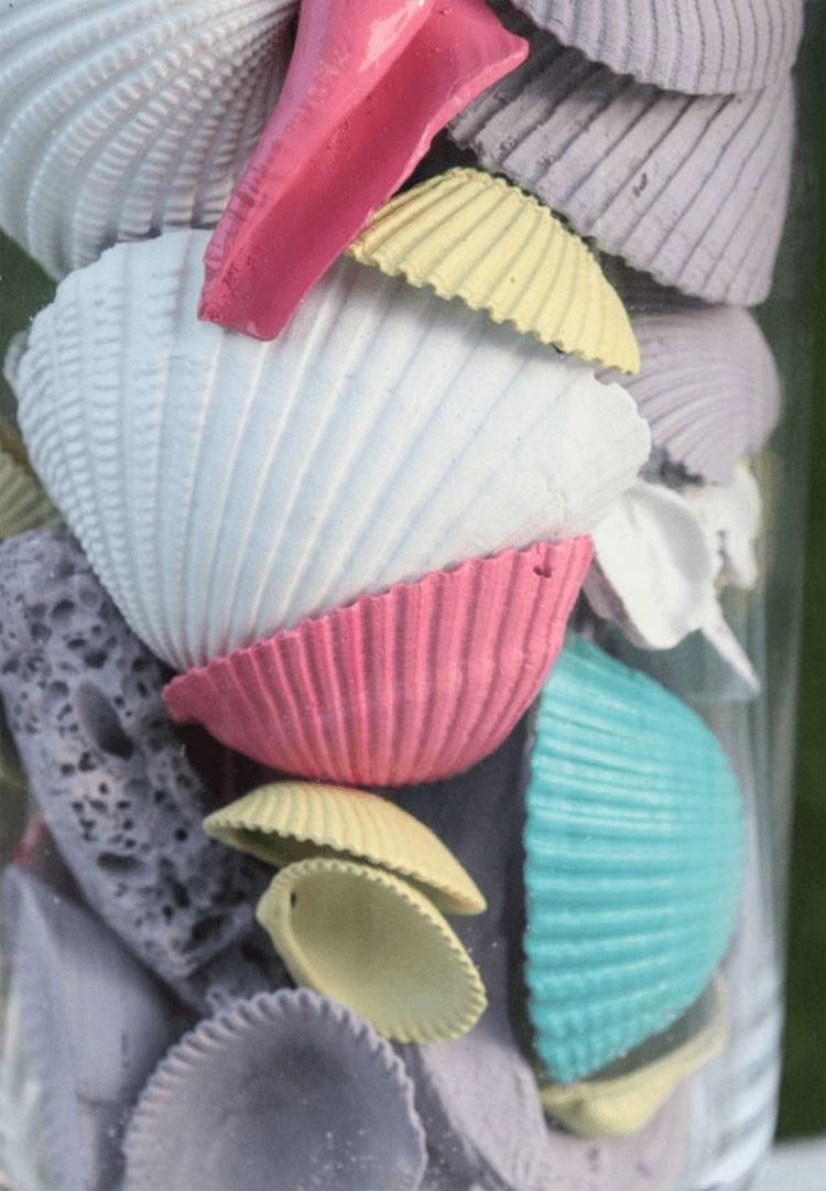 Trae a casa cientos de conchas marinas. Ahora mira cuando se pone a pintar ...