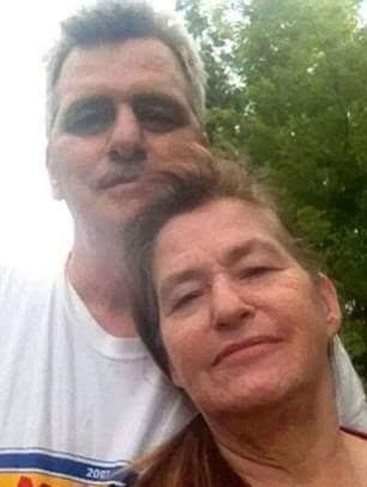 Este matrimonio estan ambos con soporte vital, pero entonces su hijo captura ESTO...
