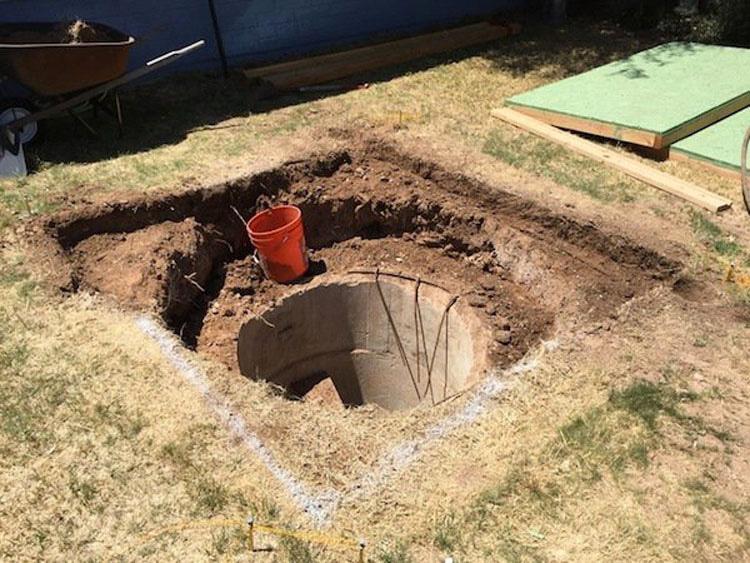 Estaba cavando en su jardín... Cuando hizo un descubrimiento sorprendente