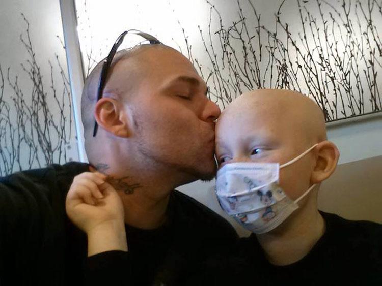 Padre e hijo tendrán siempre esto en común después de una terrible tragedia