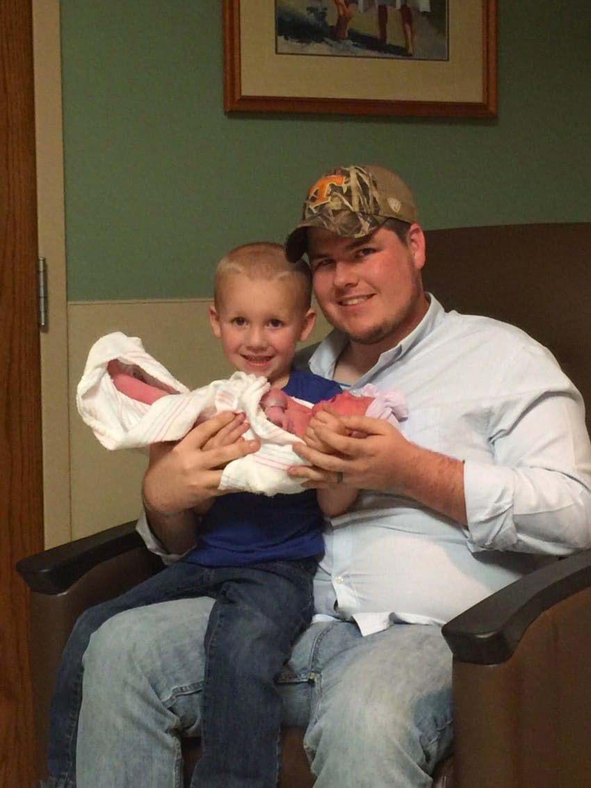 Este bebé es dado por muerto, después lo devuelven a la vida. 3 semanas más tarde, esta es la historia 5
