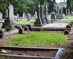 Un niño muere mientras duerme, después su padre hace algo increíblemente conmovedor en su tumba
