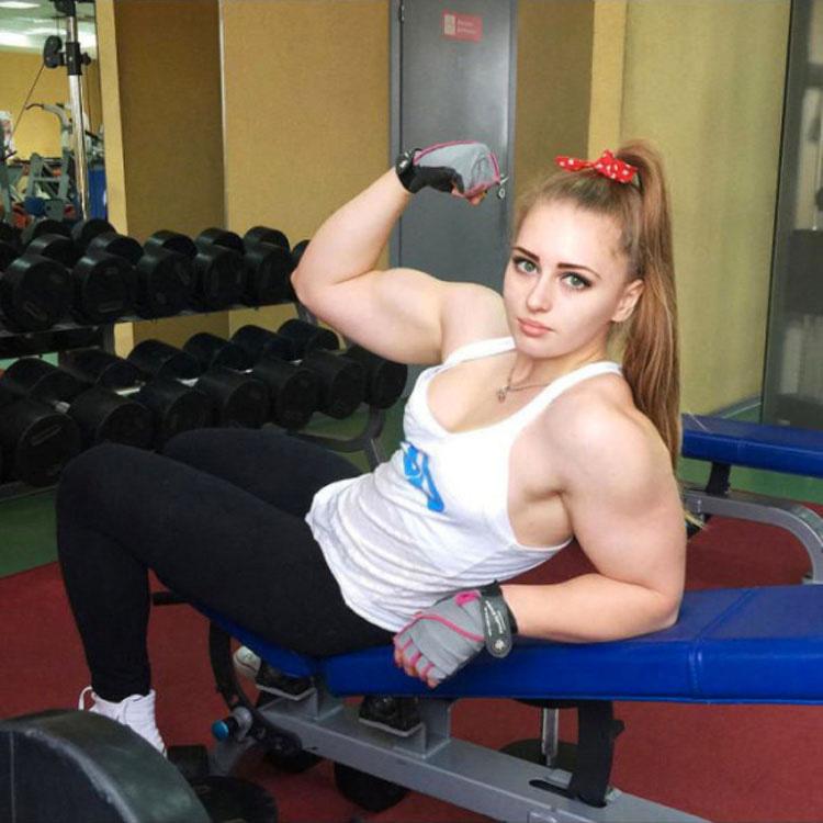 Esta rusa de 20 Años tiene la cara de una muñeca, pero MIRA BIEN su cuerpo