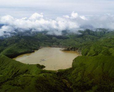 Este lago encierra algo mucho más peligroso que unos tiburones