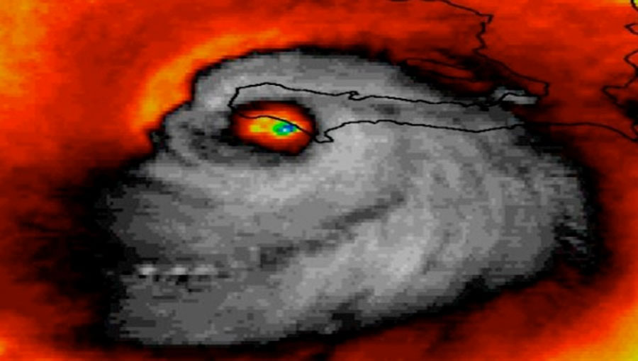 ¡No, no es Photoshop! Es una imagen del huracán Matthew captada por la NASA a su llegada a Haití