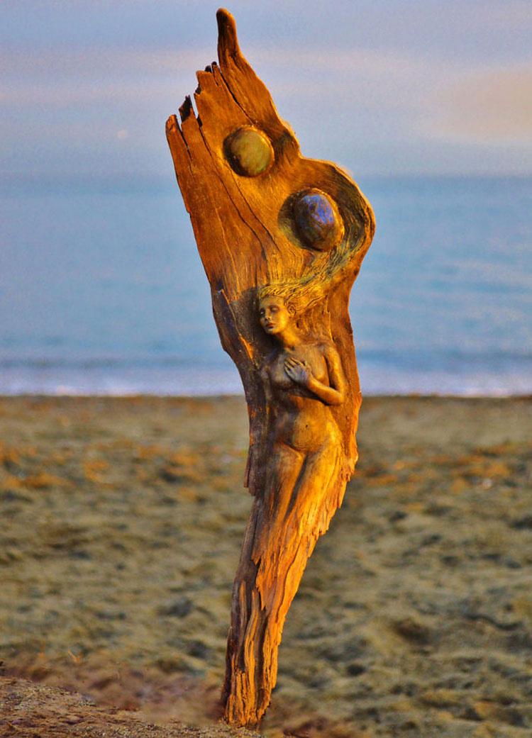 15 impresionantes esculturas hechas con maderas que cuentan historias olvidadas del Océano