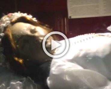 Lo que hace el cadáver de una niña Santa está dando la vuelta al mundo. ¿Qué opinas?