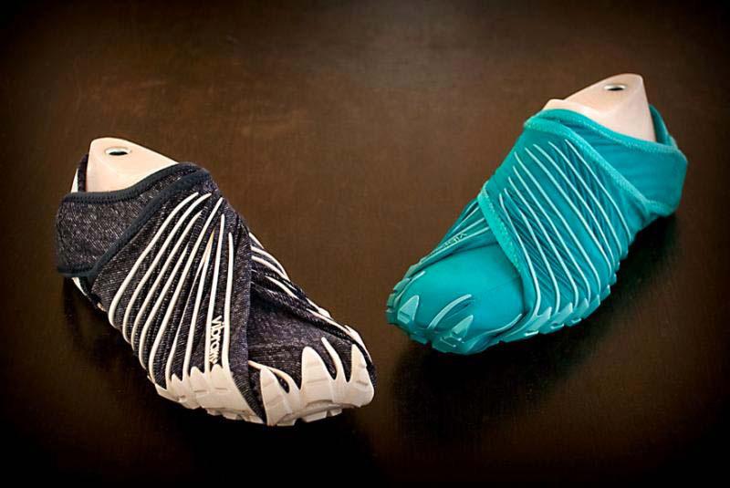 Mira estos zapatos de inspiración japonesa que no tienen cordones y se ajustan alrededor del pie