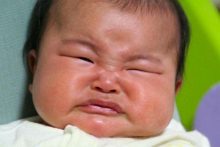 Toque suavemente estos puntos en el pie de un bebé y de inmediato dejará de llorar