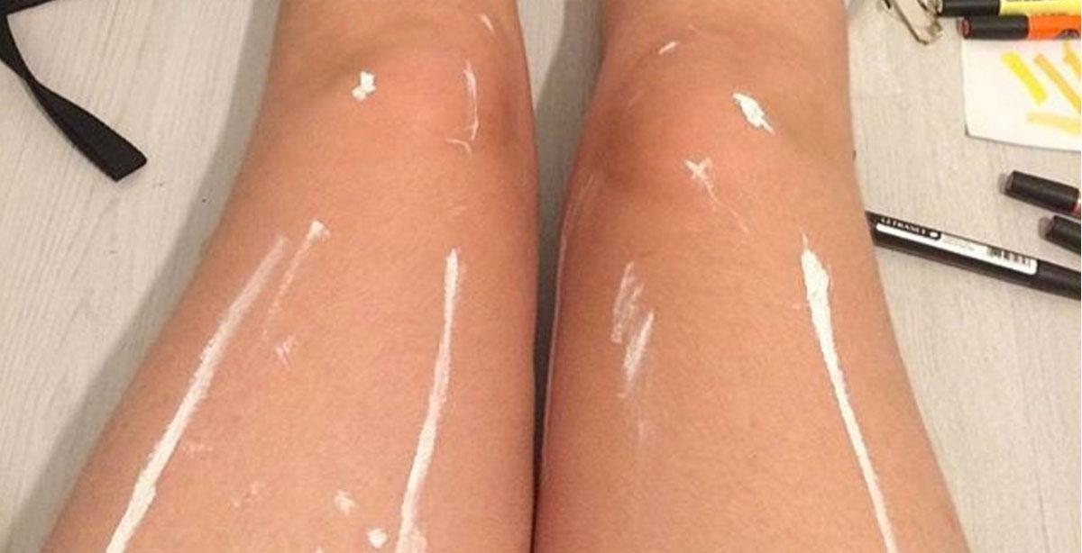 ¿Piernas brillantes o simplemente pintura blanca? Esta imagen está volviendo loco a Internet