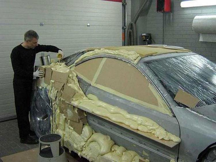 Estuvo dos años construyendo el coche de su vida. ¡Ahora mira el resultado final!